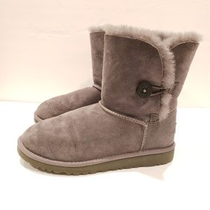 Ugg bailey button size 5 grey short boots